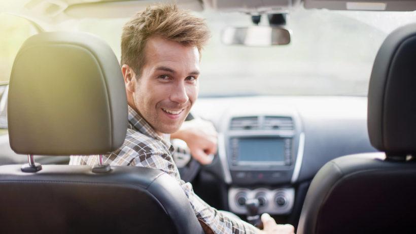 10 najbardziej nieprzemyślanych nawyków kierowcy.
